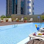 novotel-porto-alegre-piscina